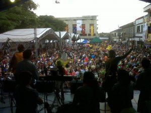 A picture of a festival of the Bandola festival.
